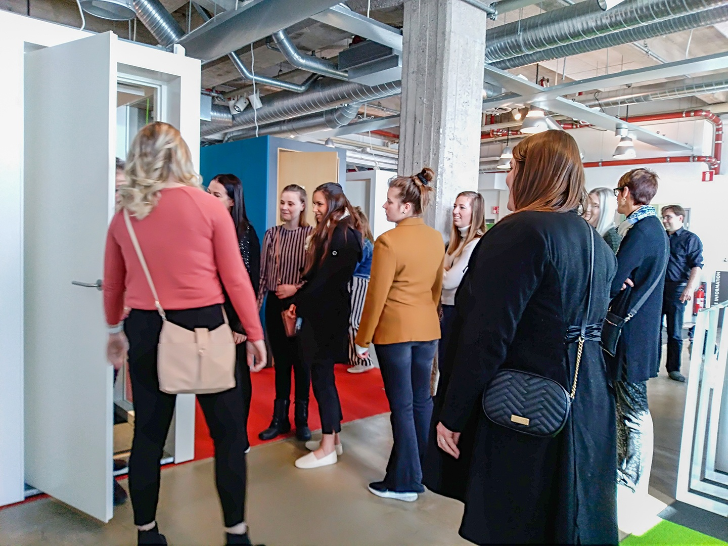 Students visiting INTO SHOWROOM - INTO the Nordic Silence